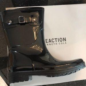 Kenneth Cole Reaction Black Rainboots Size 8